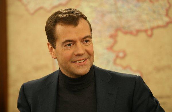 Эксперт рассказал, как Telegram помог Медведеву сохранить свой пост