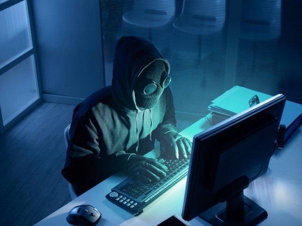 На улице в Австралии хакеры включили порно на рекламных щитах